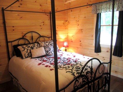 Black Bear Getaway Cabin Rental In Hocking Hills Ohio
